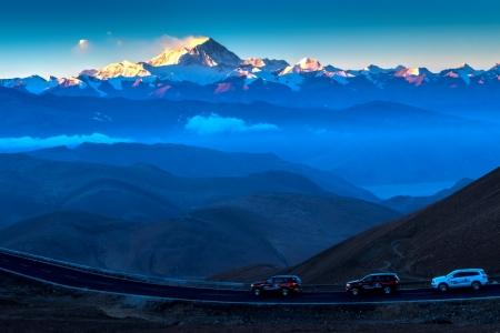 Ford Everest và hành trình chinh phục đỉnh... Everest